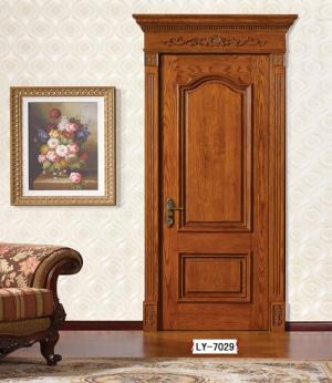 复合实木门应该涂清漆?